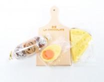 Gurmanska slatka meza - kobasica, sir i jaje od čokolade