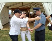 Lažni policajac upada na proslavu i radi fajrunt ;) + Stand Up nastup