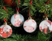 Prozirna božićna kuglica s tvojom slikom