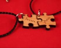 Puzzle - 2 ogrlice za par s vašim imenima