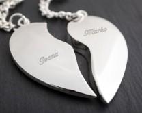Broken Heart - 2 privjeska za ključ izgravirana sa Vašim imenima