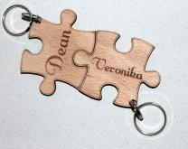 The missing piece - drveni privjesci za par izgravirani vašim imenima