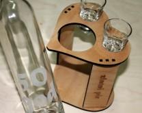 Nazdravimo sreći!- set za bocu likera i dvije čaše izgravirani sa Vašom porukom