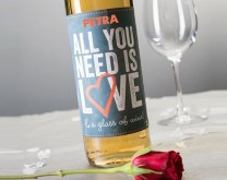 All You need is Love & personalizirano vino