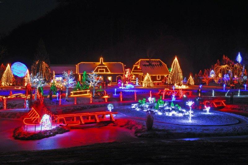 I ove godine zasjala Božićna priča obitelji Salaj Bozicna_bajka_u_cazmi